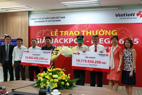 co-duoc-nhan-thuong-xo-so-tu-xa-bang-chuyen-khoan-khong
